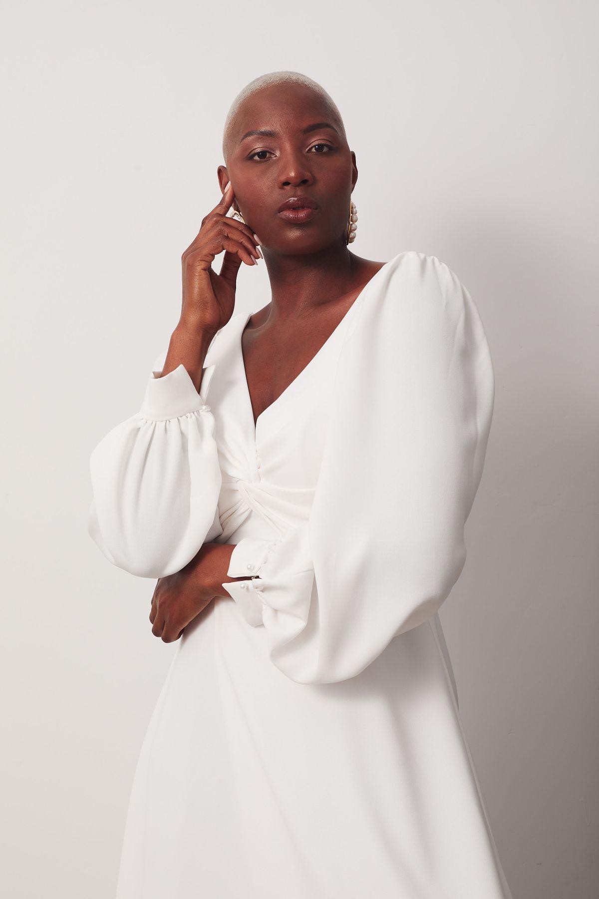 Elizabeth Curve Wedding Gown _15 3003