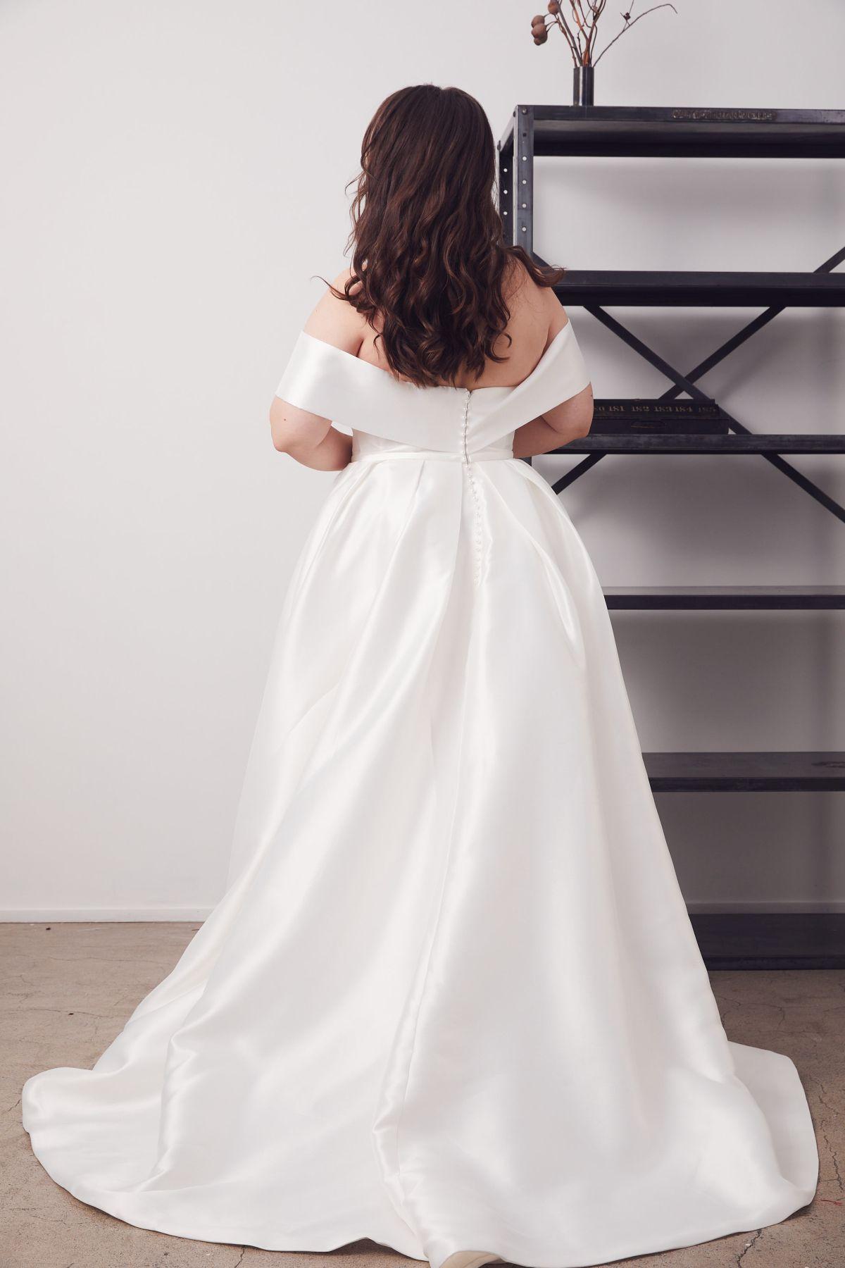 Francois Curve Wedding Gown _24 4630