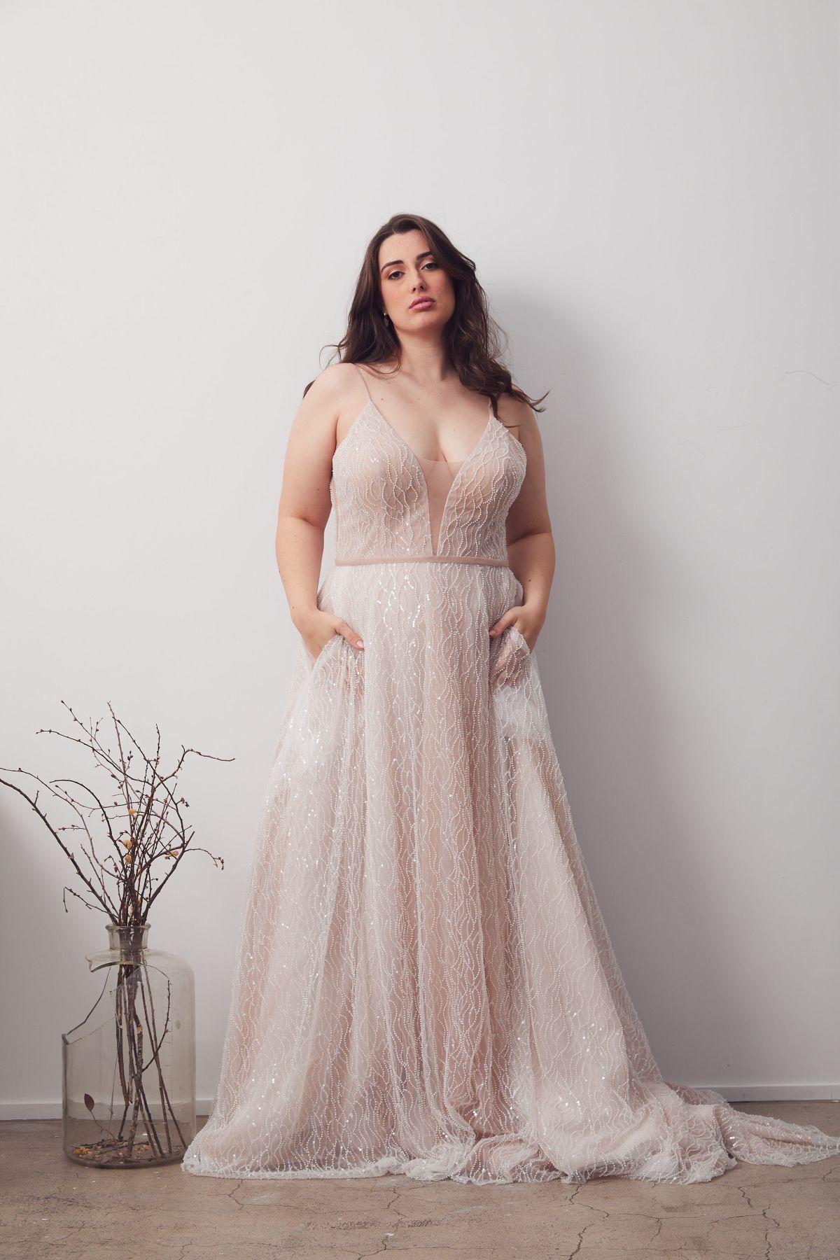Laurent Blush Curve Wedding Gown _06 1258