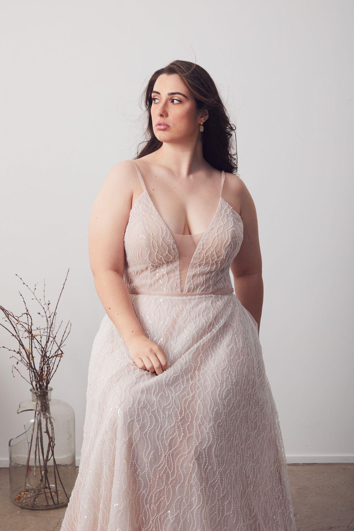 Laurent Blush Curve Wedding Gown _06 1308