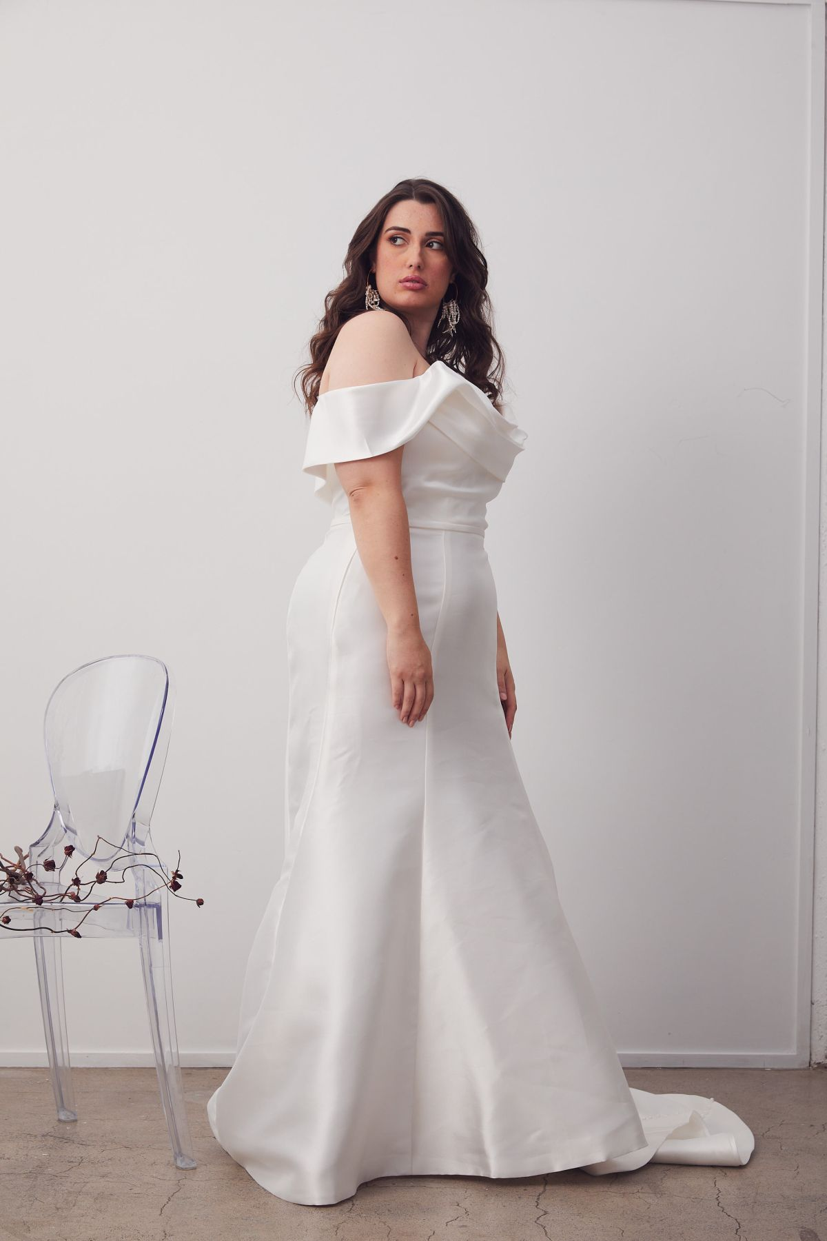 Le Chic Curve Wedding Gown _10 2066