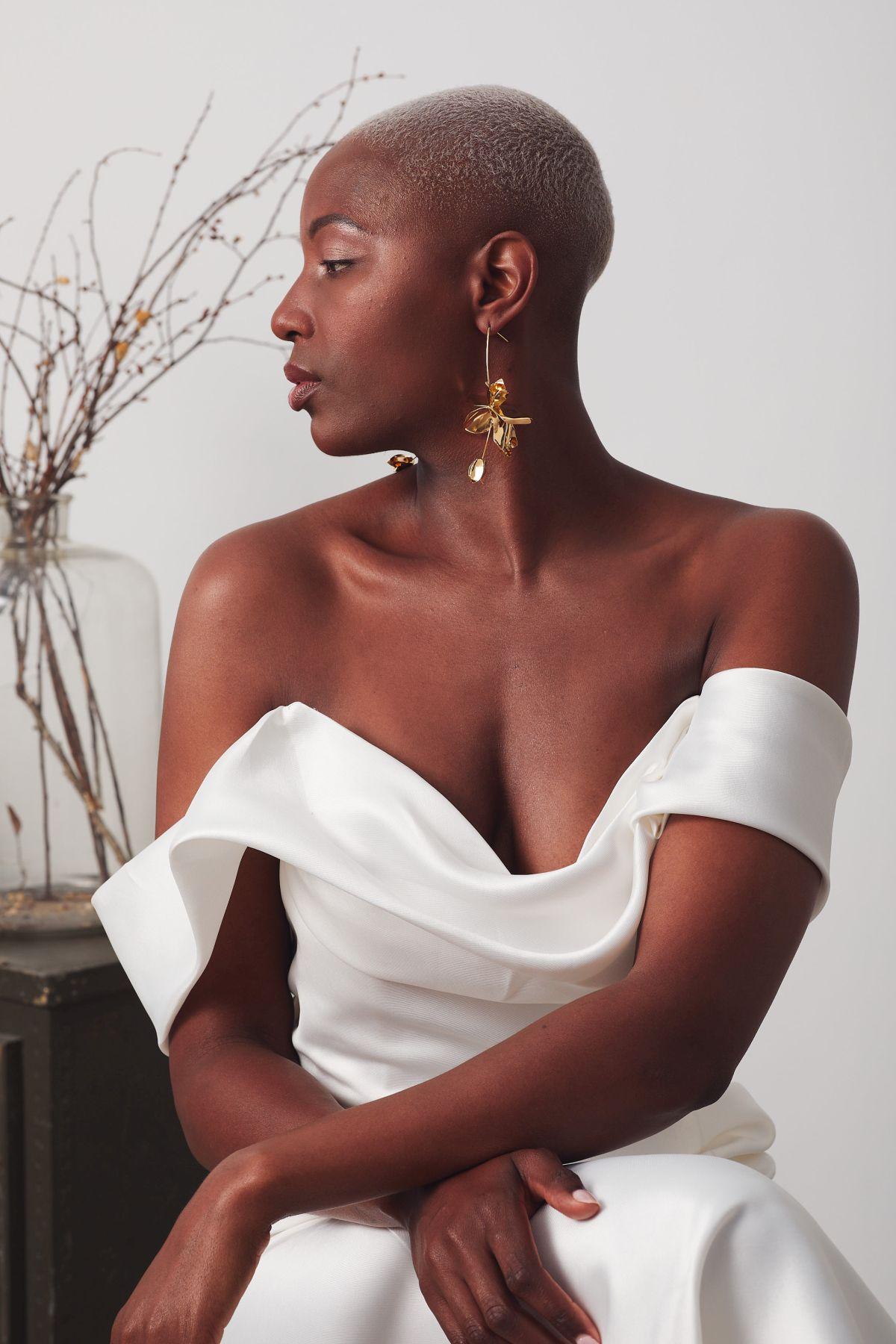 Le Chic Curve Wedding Gown _19 3939