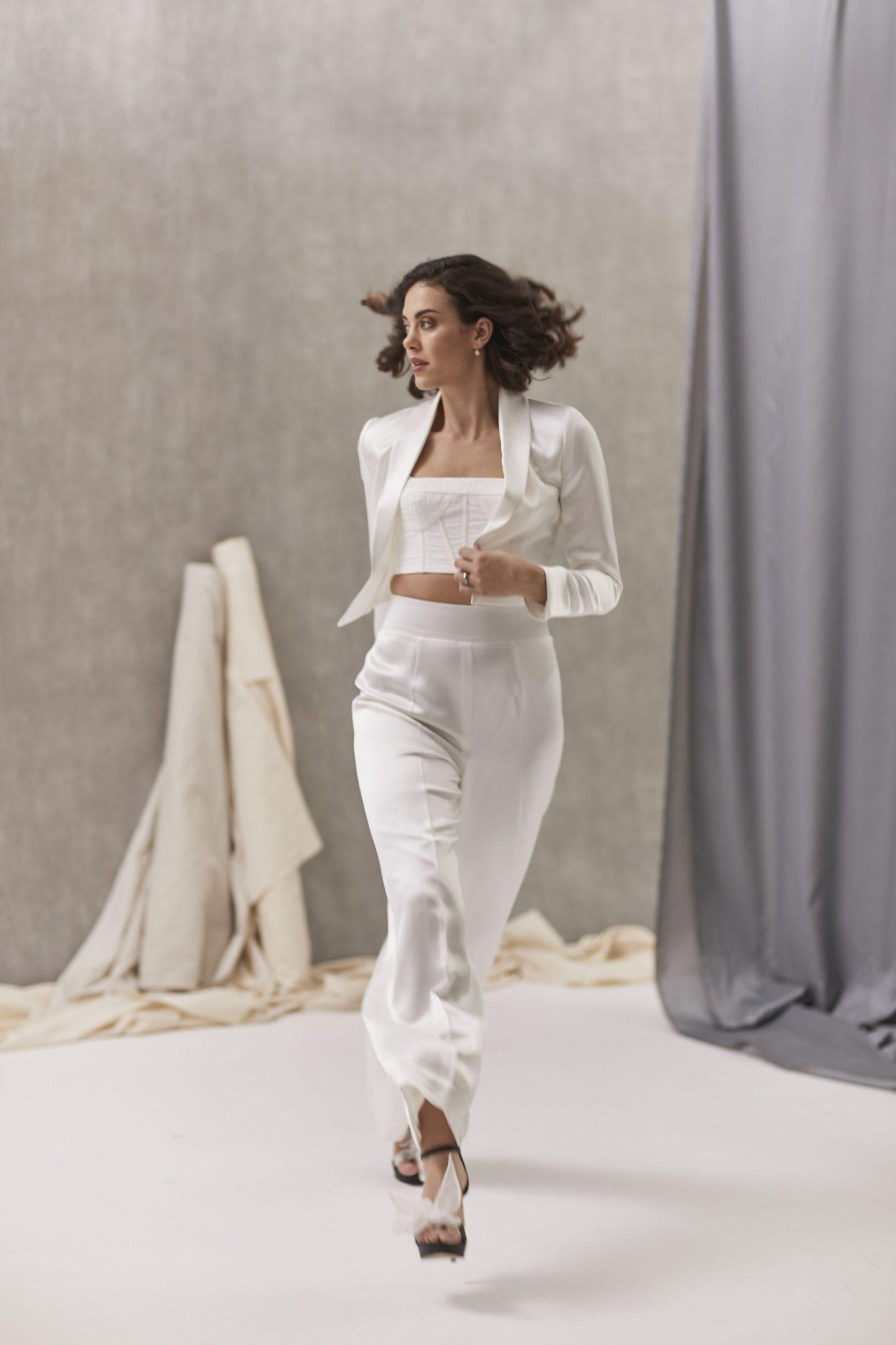 Verona Suit W Bernadette Bustier Hera_July2021_Shot33_5378