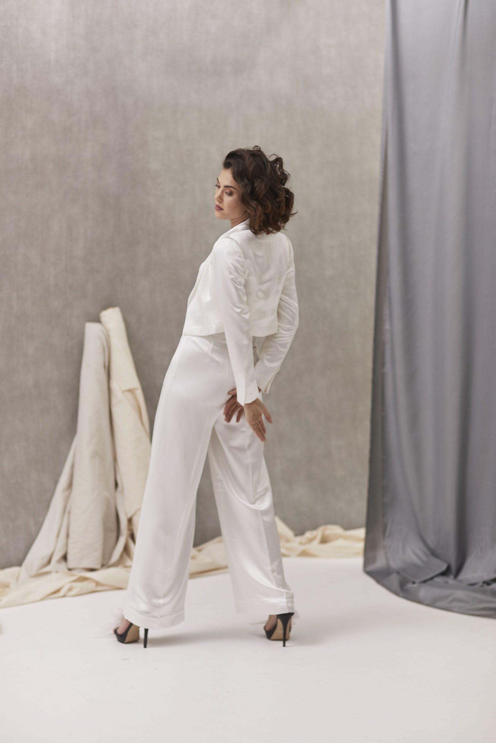 Verona Suit W Bernadette Bustier Hera_July2021_Shot33_5447