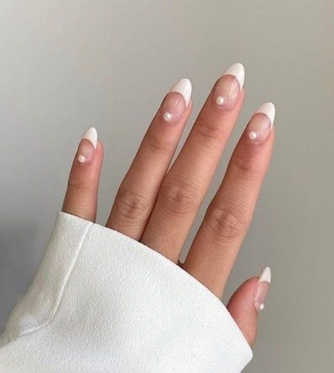 French tips for the glam bride 🤍 @theclsscbride